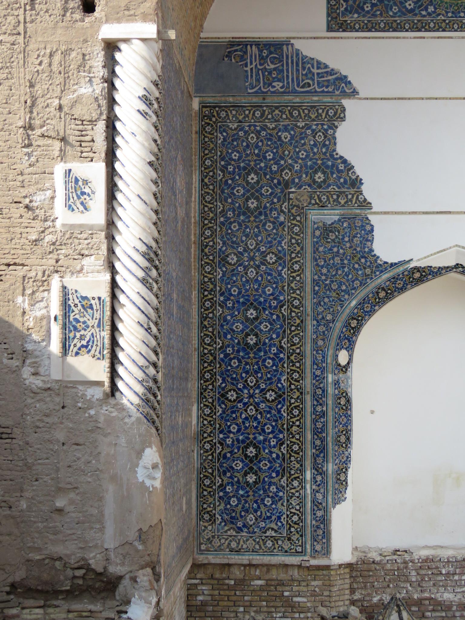 مدیر کل میراث فرهنگی استان کرمان: گمانه زنی و تعیین حریم قبه سبز به پایان رسید